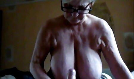 Si masturba youporn nonne in bagno.